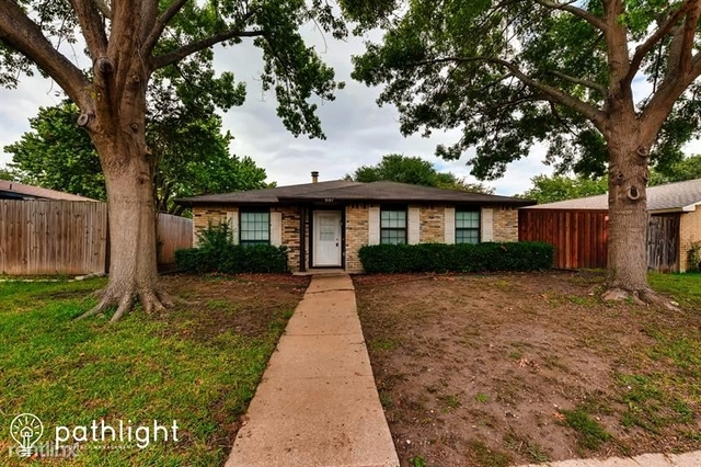 3 Bedrooms, Highland Meadows Rental in Dallas for $2,345 - Photo 1