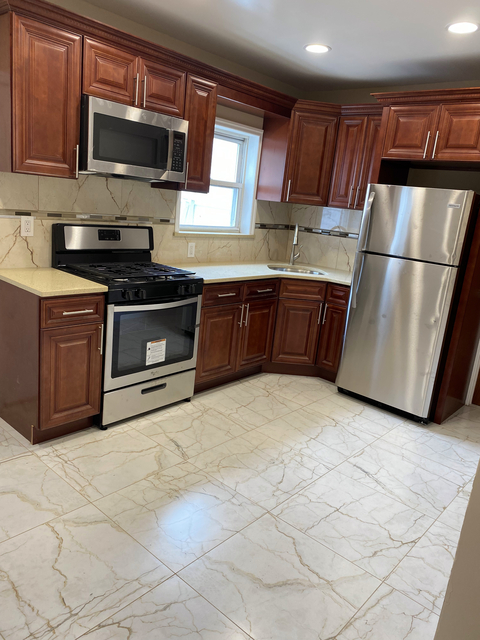 4 Bedrooms, Laurelton Rental in Long Island, NY for $3,600 - Photo 1
