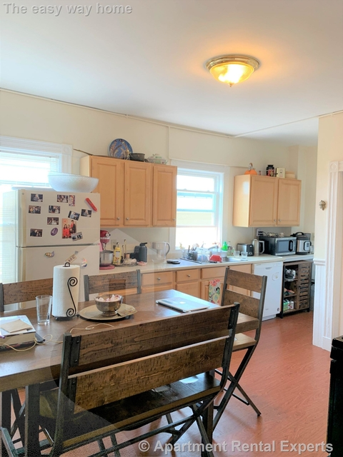 4 Bedrooms, Spring Hill Rental in Boston, MA for $3,200 - Photo 1