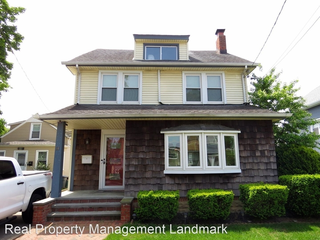 3 Bedrooms, Lynbrook Rental in Long Island, NY for $3,800 - Photo 1