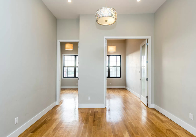 3 Bedrooms, East Williamsburg Rental in NYC for $2,700 - Photo 1