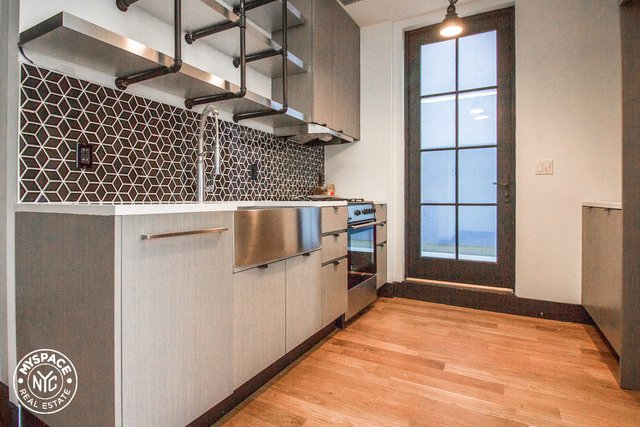 3 Bedrooms, Two Bridges Rental in NYC for $3,672 - Photo 1