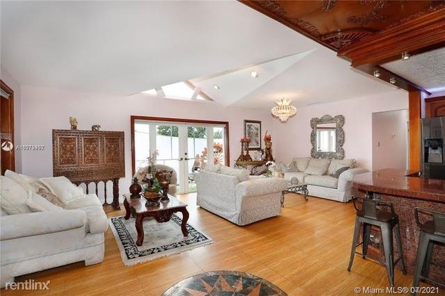 5 Bedrooms, Pinewood Estates Rental in Miami, FL for $4,650 - Photo 1