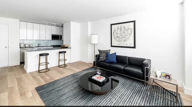 2 Bedrooms, Hell's Kitchen Rental in NYC for $3,225 - Photo 1