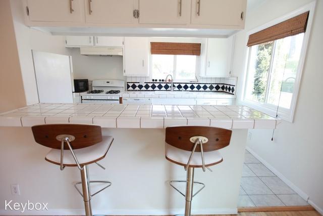 2 Bedrooms, Ocean Park Rental in Los Angeles, CA for $3,400 - Photo 1