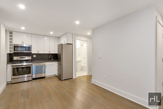 2 Bedrooms, Jackson Heights Rental in NYC for $2,595 - Photo 1