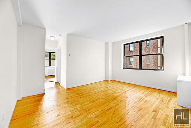 1 Bedroom, Jackson Heights Rental in NYC for $2,195 - Photo 1