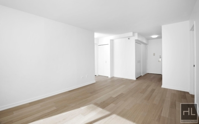 2 Bedrooms, Lincoln Square Rental in NYC for $4,999 - Photo 1