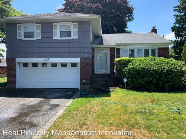 3 Bedrooms, Plainview Rental in Long Island, NY for $3,600 - Photo 1