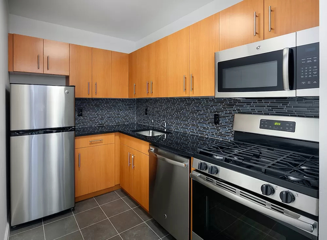 2 Bedrooms, Alphabet City Rental in NYC for $4,538 - Photo 1