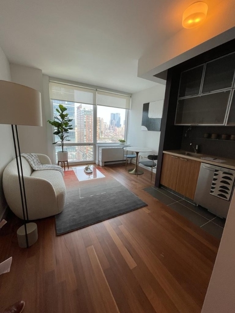 Studio, Hell's Kitchen Rental in NYC for $3,070 - Photo 1