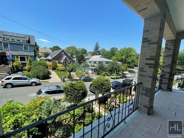 2 Bedrooms, Silver Lake Rental in NYC for $2,200 - Photo 1