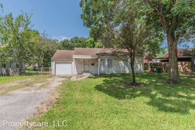 3 Bedrooms, Texas City-League City Rental in Houston for $1,370 - Photo 1