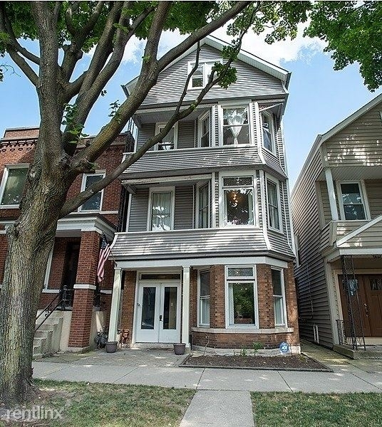 2 Bedrooms, Roscoe Village Rental in Chicago, IL for $3,900 - Photo 1