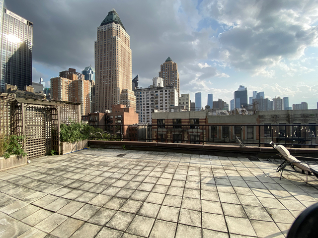 2 Bedrooms, Hell's Kitchen Rental in NYC for $5,695 - Photo 1