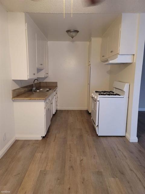 2 Bedrooms, Van Nuys Rental in Los Angeles, CA for $1,800 - Photo 1