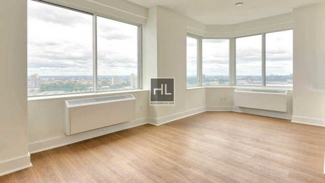 Studio, Lincoln Square Rental in NYC for $3,422 - Photo 1