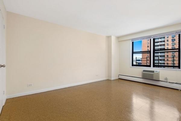 2 Bedrooms, LeFrak City Rental in NYC for $2,618 - Photo 1