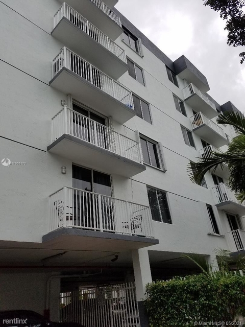 2 Bedrooms, Coral Way Rental in Miami, FL for $1,850 - Photo 1