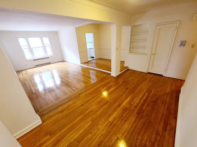 2 Bedrooms, Forest Hills Rental in NYC for $2,599 - Photo 1