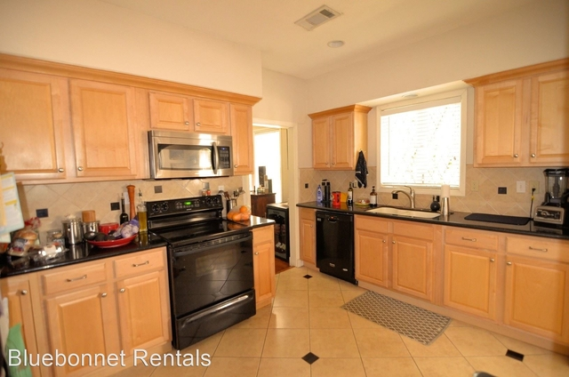 3 Bedrooms, Neartown - Montrose Rental in Houston for $2,395 - Photo 1