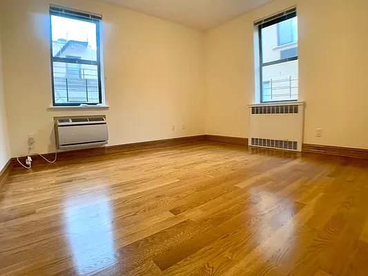 3 Bedrooms, Yorkville Rental in NYC for $4,450 - Photo 1