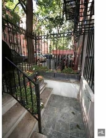 4 Bedrooms, East Village Rental in NYC for $6,600 - Photo 1