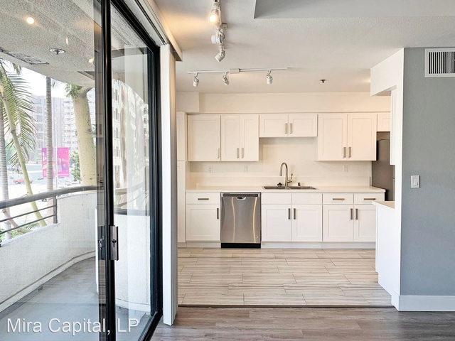 2 Bedrooms, Westwood Rental in Los Angeles, CA for $3,675 - Photo 1