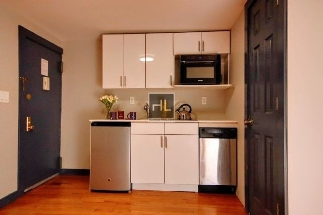 Studio, East Village Rental in NYC for $2,595 - Photo 1
