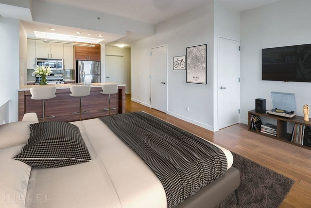 Studio, Long Island City Rental in NYC for $2,850 - Photo 1