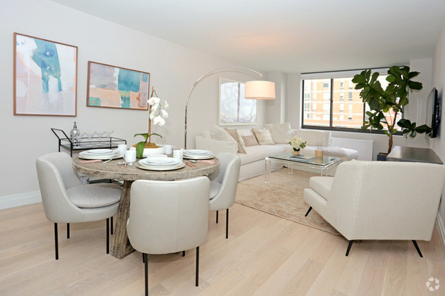 2 Bedrooms, Yorkville Rental in NYC for $3,200 - Photo 1