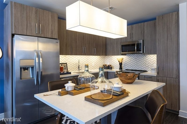 2 Bedrooms, Midtown Rental in Houston for $2,727 - Photo 1