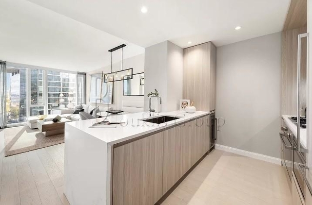 1 Bedroom, Lincoln Square Rental in NYC for $6,060 - Photo 1