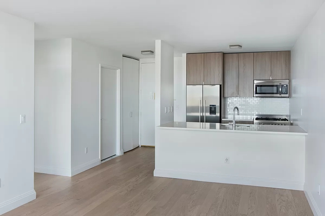 1 Bedroom, Yorkville Rental in NYC for $3,320 - Photo 1