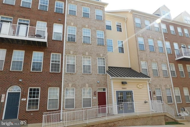 2 Bedrooms, Merrifield Rental in Washington, DC for $2,500 - Photo 1