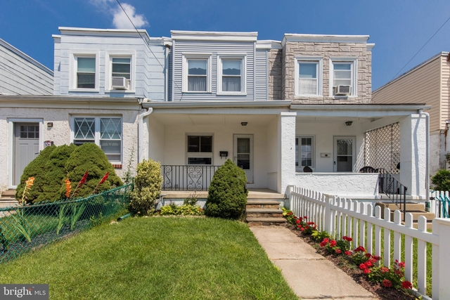 3 Bedrooms, Narberth Rental in Lower Merion, PA for $2,000 - Photo 1