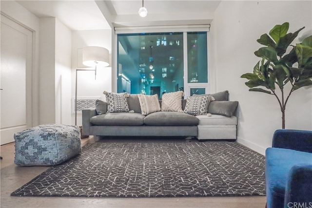 1 Bedroom, South Park Rental in Los Angeles, CA for $3,850 - Photo 1