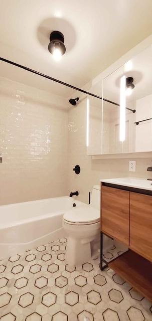 3 Bedrooms, SoHo Rental in NYC for $6,500 - Photo 1