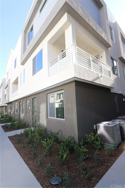 4 Bedrooms, Platinum Triangle Rental in Los Angeles, CA for $4,400 - Photo 1