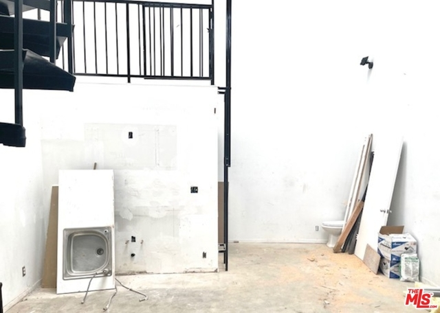 Studio, North of Rose Rental in Los Angeles, CA for $3,200 - Photo 1