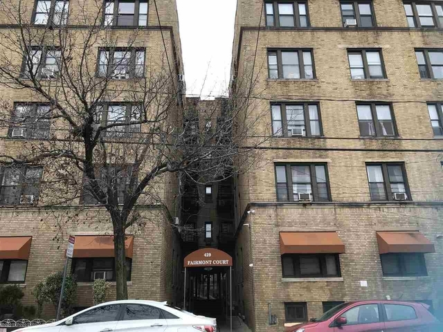 2 Bedrooms, McGinley Square Rental in NYC for $1,600 - Photo 1