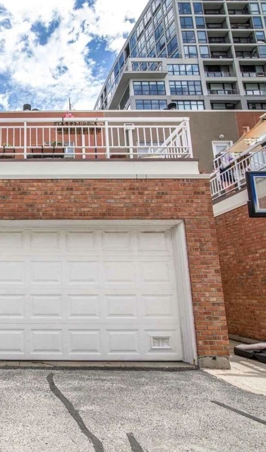 2 Bedrooms, Dearborn Park Rental in Chicago, IL for $2,300 - Photo 1