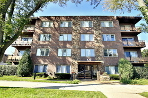 2 Bedrooms, New Trier Rental in Chicago, IL for $1,775 - Photo 1