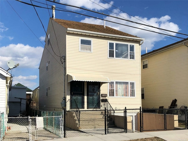 3 Bedrooms, Edgemere Rental in NYC for $2,600 - Photo 1