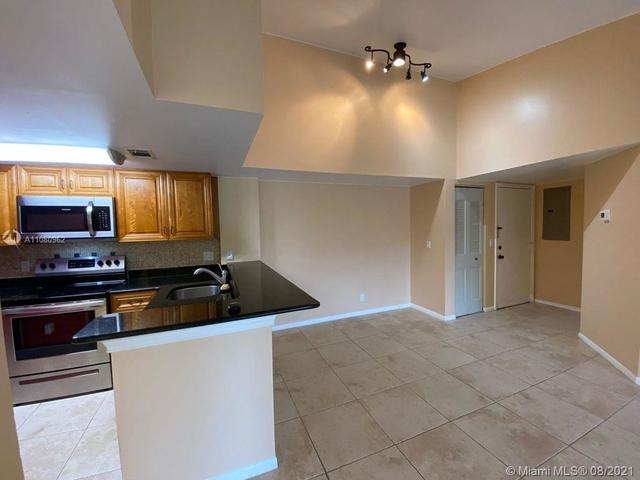 2 Bedrooms, Jacaranda West Rental in Miami, FL for $2,000 - Photo 1