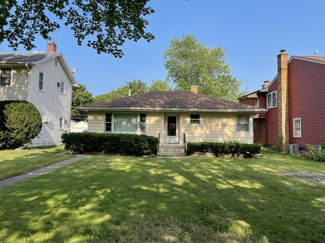 2 Bedrooms, Lisle Rental in Chicago, IL for $2,400 - Photo 1