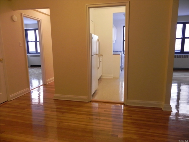 1 Bedroom, Great Neck Plaza Rental in Long Island, NY for $2,018 - Photo 1