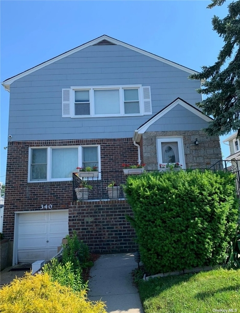 3 Bedrooms, Westholme North Rental in Long Island, NY for $3,200 - Photo 1
