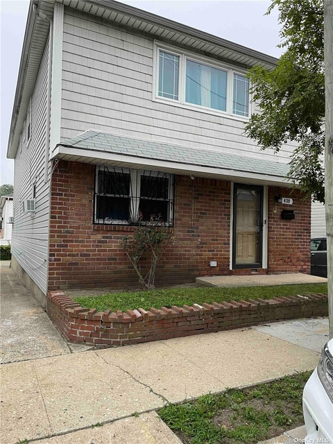 3 Bedrooms, Bayswater Rental in Long Island, NY for $2,600 - Photo 1