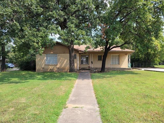 3 Bedrooms, Denton Rental in Denton-Lewisville, TX for $1,800 - Photo 1